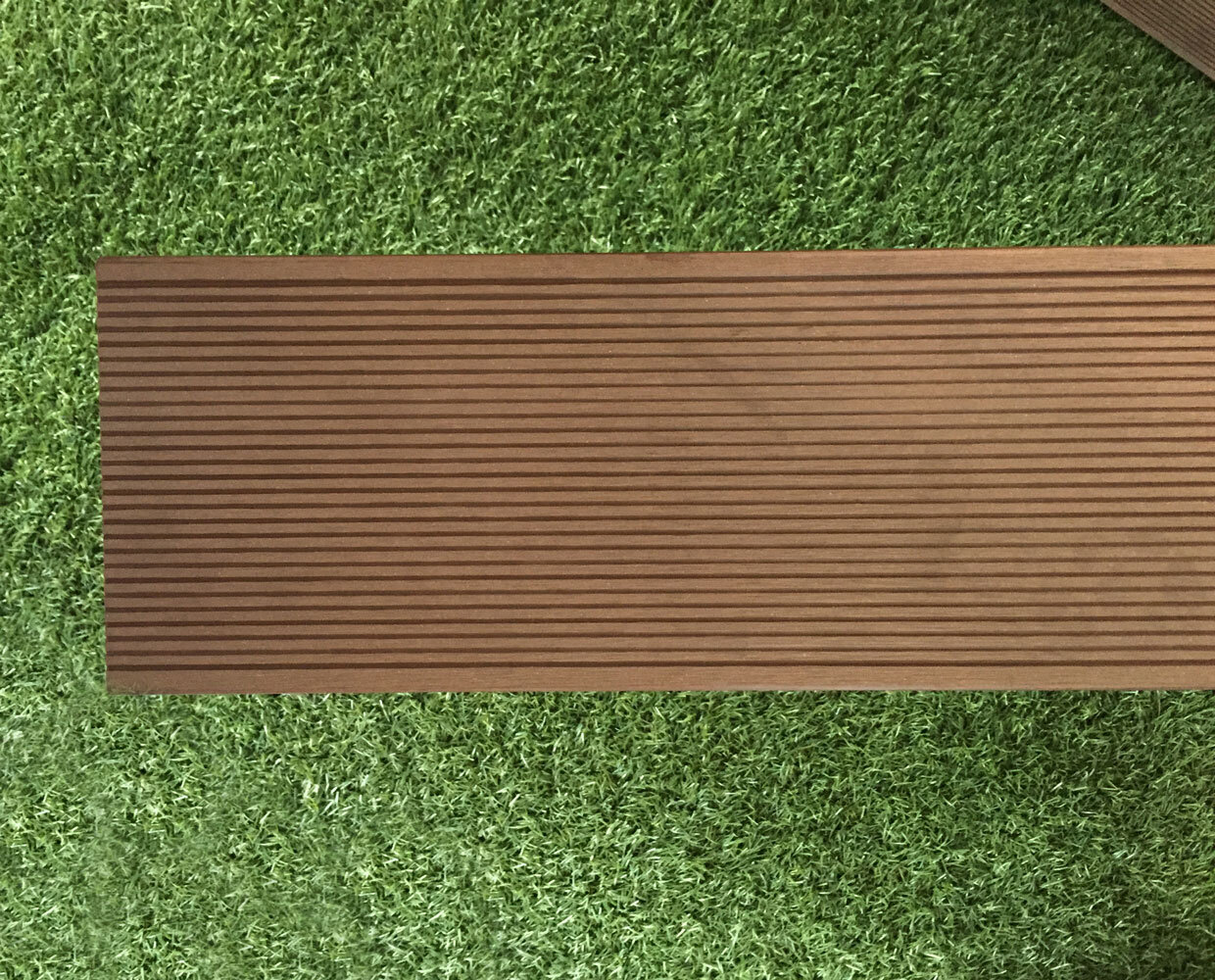 Bamboo wood flooring outdoor gurus floor for Bamboo flooring outdoor decking