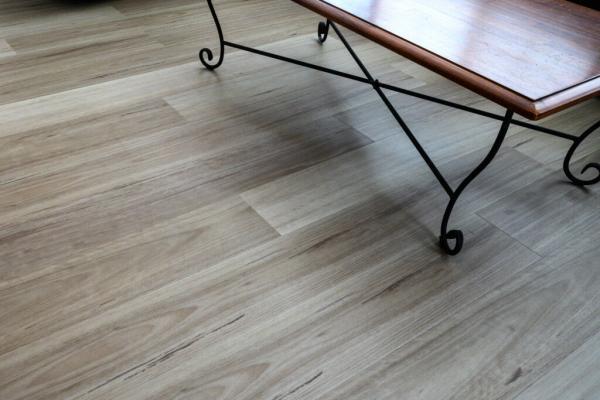 Hybrid-Flooring-Maple-3