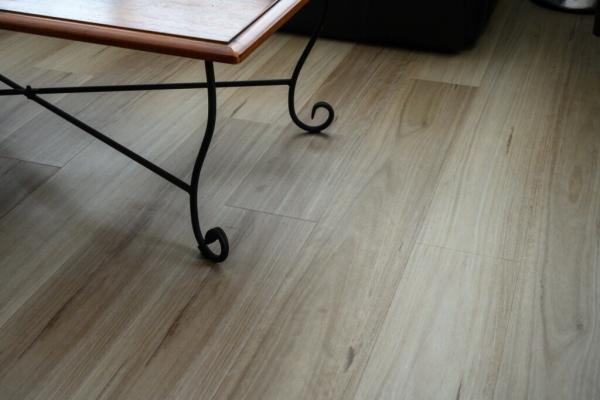 Hybrid-Flooring-Maple-5