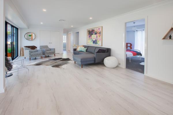Snow White Laminate Flooring - Lion King Flooring