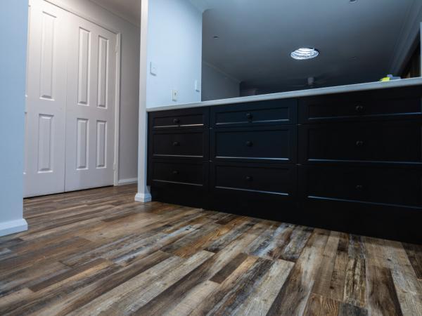 Rustic-Oak-Hybrid-Flooring-3