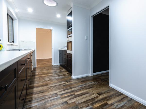 Rustic-Oak-Hybrid-Flooring-4